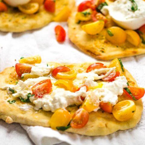 Pizza Burrata Caprese